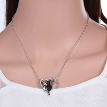 Women Cute Black&White Cats Animal Love Heart Crystal Chain Necklace Pendant Best Friend Gift