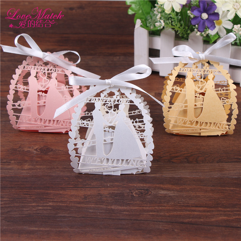 50pcs/lot Romantic Bride And Groom Laser Cut Candy Box With Ribbon Wedding Favors And Gifts Candy Bag Party Decoration