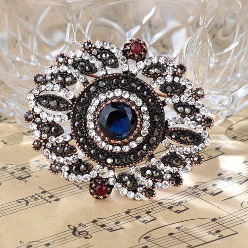 22dfda0e72 Vintage Turkish Women Flower Brooches Pins Antique Gold Color Resin Brooch  Pendant Dual-Purpose Ladies Ethnic Jewelry