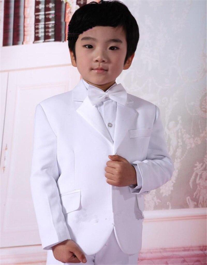 Satin blanc garçons formel porte revers cranté deux boutons mariage anneau porteur enfants Tuxedos enfants costumes (veste + pantalon + arc)