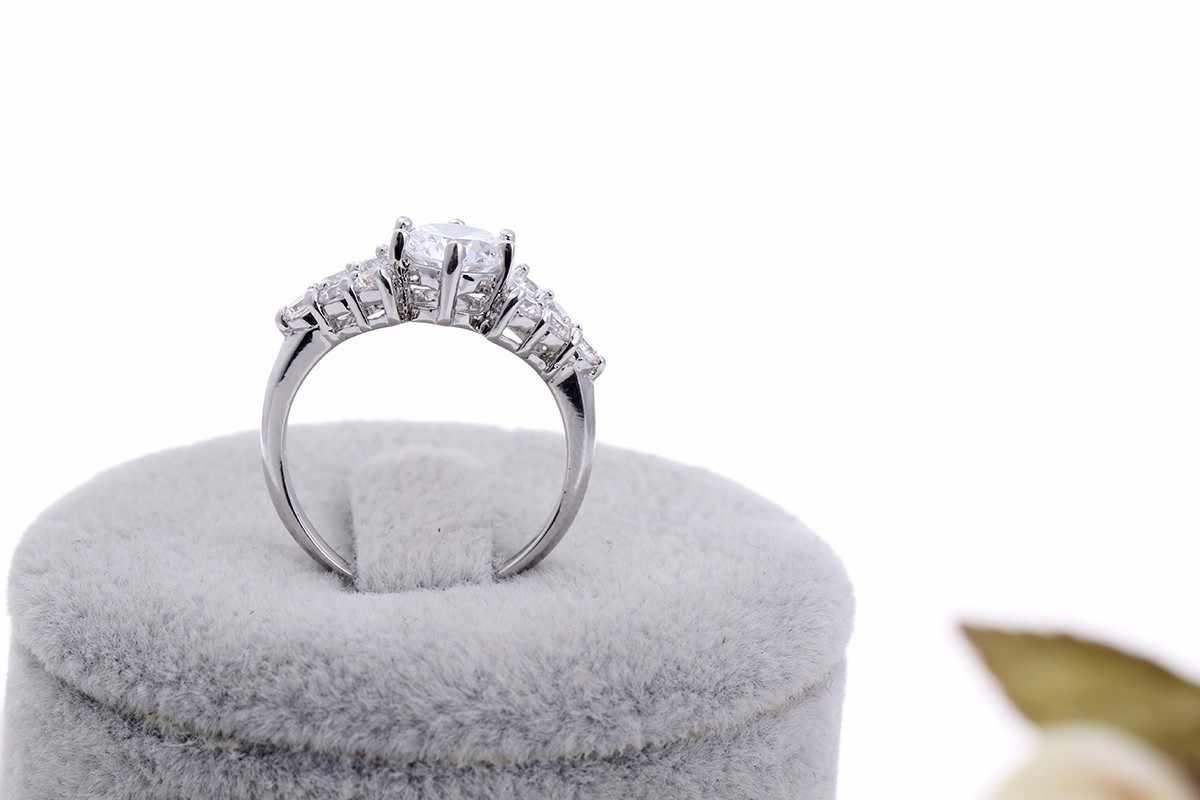 สีขาวสีทองกามเทพตัดประดับเพชรและคู่VปูCZสำเนียงหมั้นแหวนแต่งงานสำหรับผู้หญิงเครื่องประดับBijoux Bague