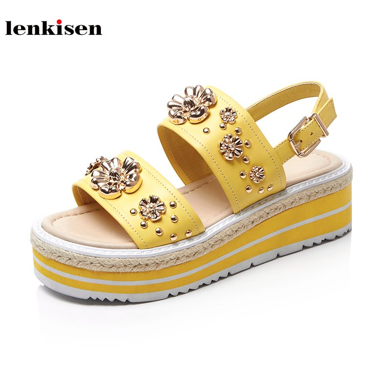 Lenkisen 2018 new arrival peep toe meatal buckle flowers decoration cow leather causal shoes wedges med heel women sandals L8f8