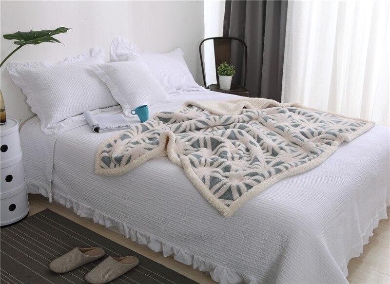 New Blanket Jacquard Craft Shu Cotton Velvet Double Layer Jacquard Shu Cotton Cashmere Cashmere Double Blanket in Blankets from Home Garden