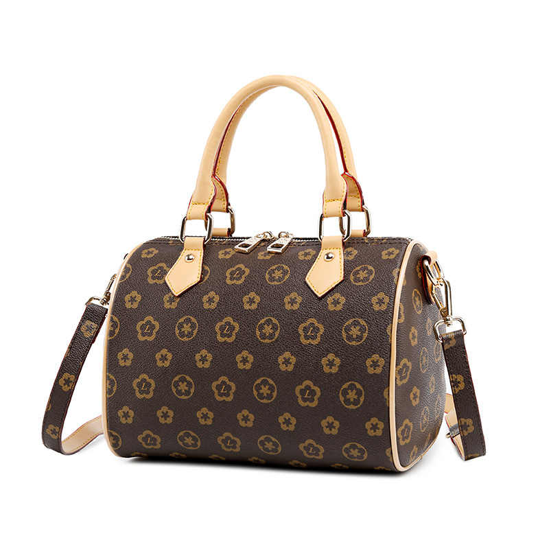 2018 Women s Handbags Boston Bags Ladies Tassel Button Messenger Bags  Leather Shoulder Bags Designer Bucket Bag 55927ae07de07