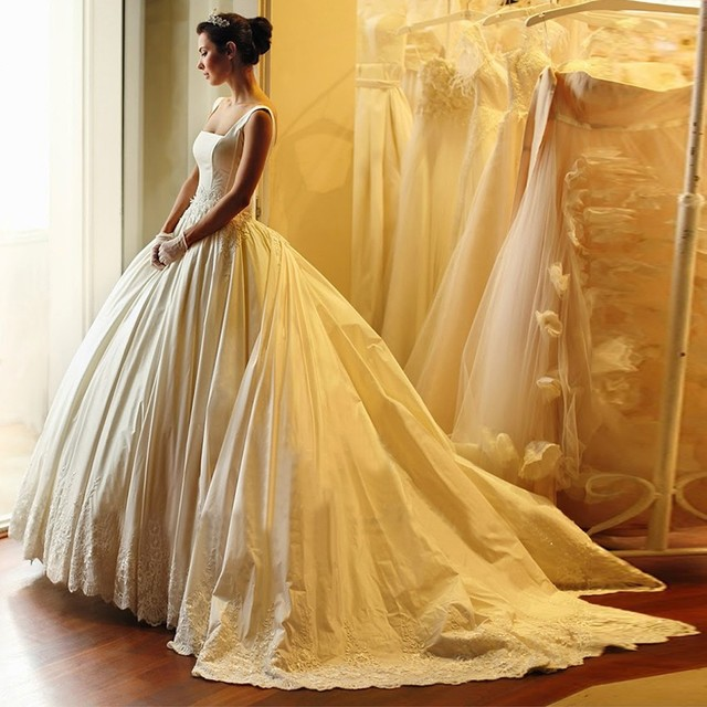 Custom Made Gold Color French Lace Sweetheart Ball Gown Wedding Dress 2017 Royal Train Lace Up Mariage Bridal Gown