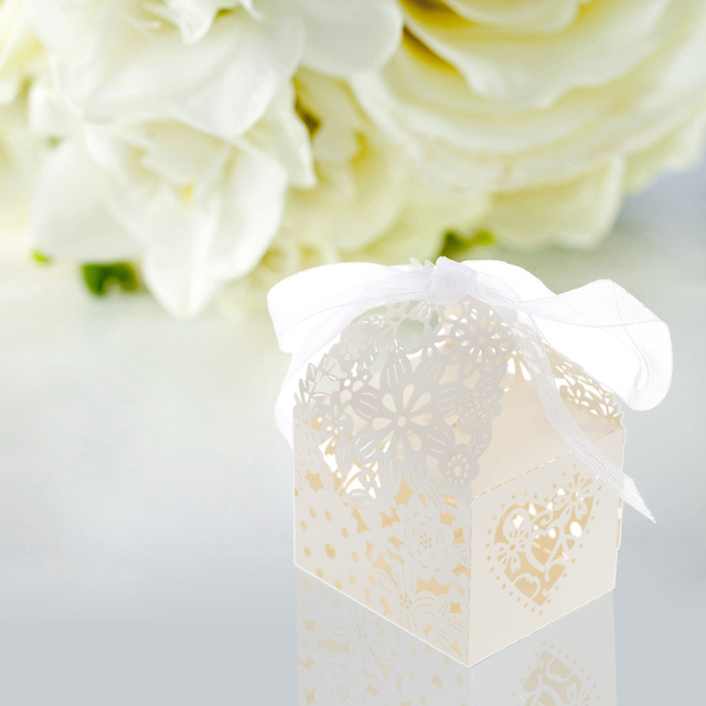 20pcs Delicate Laser Cut Butterfly Candy Box for Festival Party Candy Gift Box for Wedding Banquet Romantic Wedding Decoration