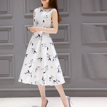 Mode femmes robe d'été ceinture sans manches col rond robes beaux vêtements princesse mi-mollet impression robe féminine dans les robes