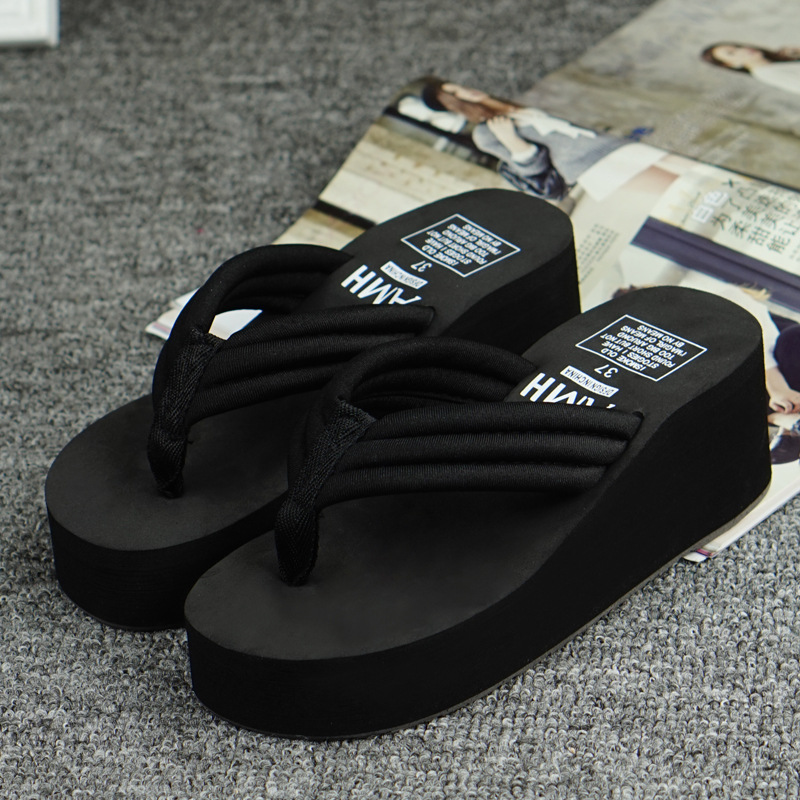 2017 New Trend In The Summer With A Word Cloth Towel With A Slope With TPR Slippery slippers.WNH-777 qiu dong season with plush slippers female students in the summer of 2017 the new han edition joker fashion wears outside a word