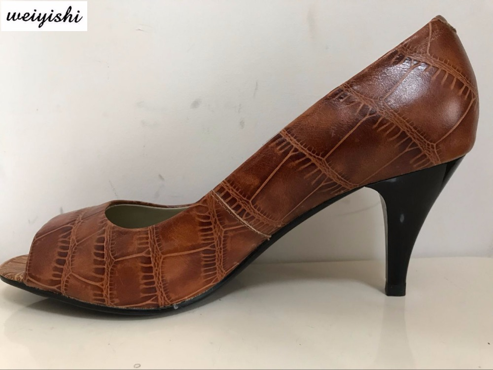 The fashion woman shoes real leather