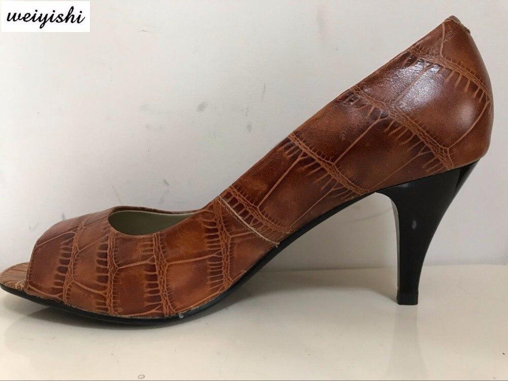 แฟชั่นผู้หญิงรองเท้าหนังแท้-ใน รองเท้าส้นสูงสตรี จาก รองเท้า บน   1