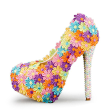 Bunte Spitze Blume Hochzeit Schuhe Multicolor Perlen High Heel Bankettpumpen Handarbeit Cinderella Prom Party Schuhe Multicolor