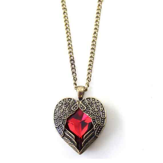 2019 New Arrivals Hot Fashion Bijoux Retro Palace Hollow Peach Heart Red Crystal Pendants Long Necklace For Women Jewelry