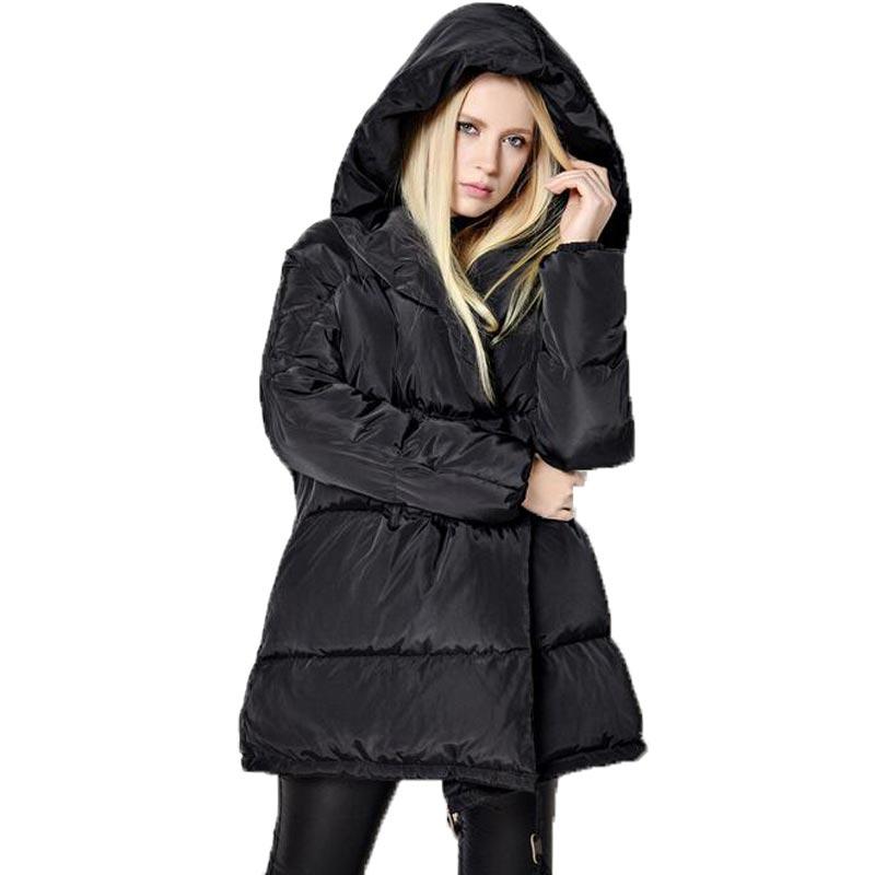 cf860feaf6930 Européenne Nouveau De Mode de Femmes Vers Le Bas Veste Parka À Capuche  Longue Blanc Duvet de canard Manteau Femmes Épais Manteau D hiver Lâche  Plus La ...