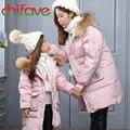 2017 nova família clothing grosso quente longo para baixo casaco com zíper Filha Mãe Outerwear Jaqueta Gola de Pele com capuz com Bolsos 2 cores