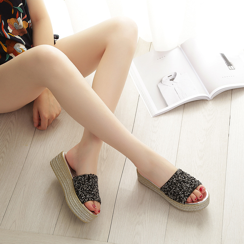 Sequins Summer Slippers 2018 New Korean Casual Female Outdoor Non-slip Shoes Gilrs Sandals