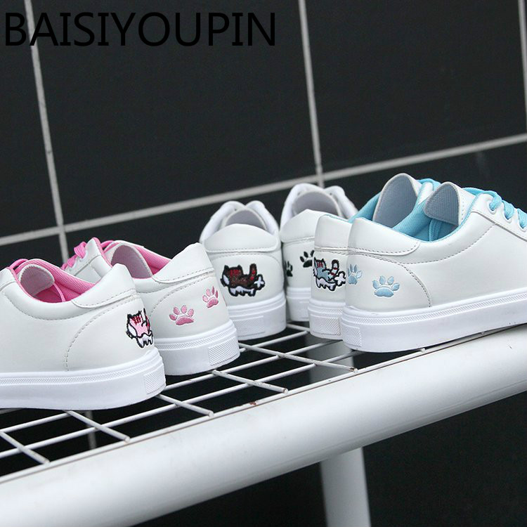 2018 New Joker Small White Shoes Female Students Flat-bottomed Shoes Korean Cat Footprints Leisure White Shoes Girl Causal Shoes стоимость