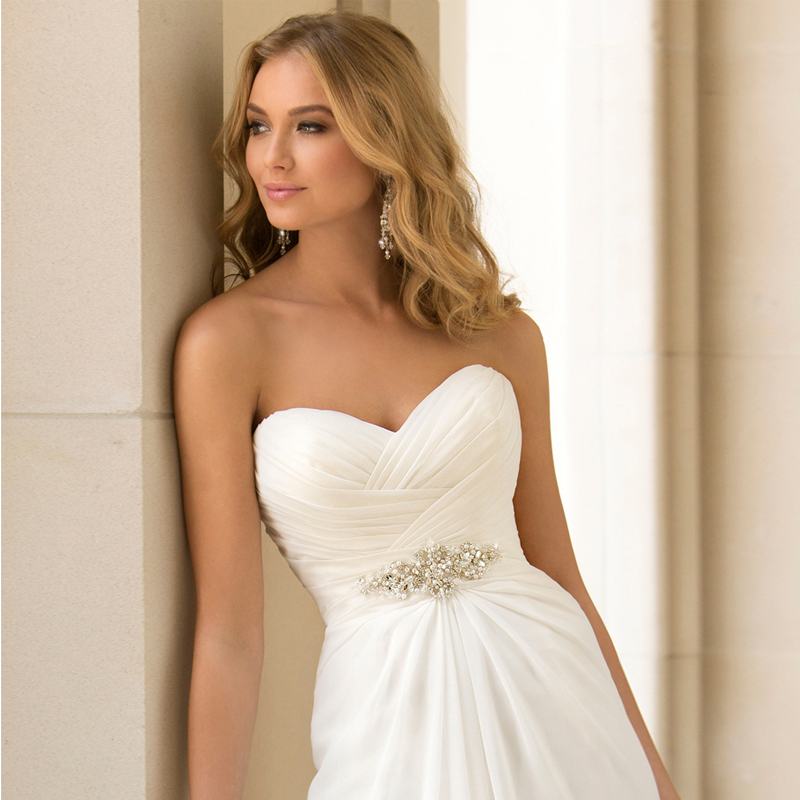 2017 Hot Selling A Line chiffon Wedding Dresses Beading Vestido de Noiva Long cheap crystal Robe De Mariage With Pleats