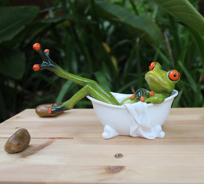 Resin creative 3D frog in the bathtub figures Decoration Figurine ...