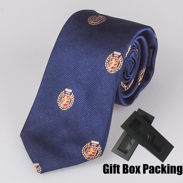 Designer italiano laço Luxo gravata de Seda de 100% na caixa de presente azul marinho com padrão de caracteres