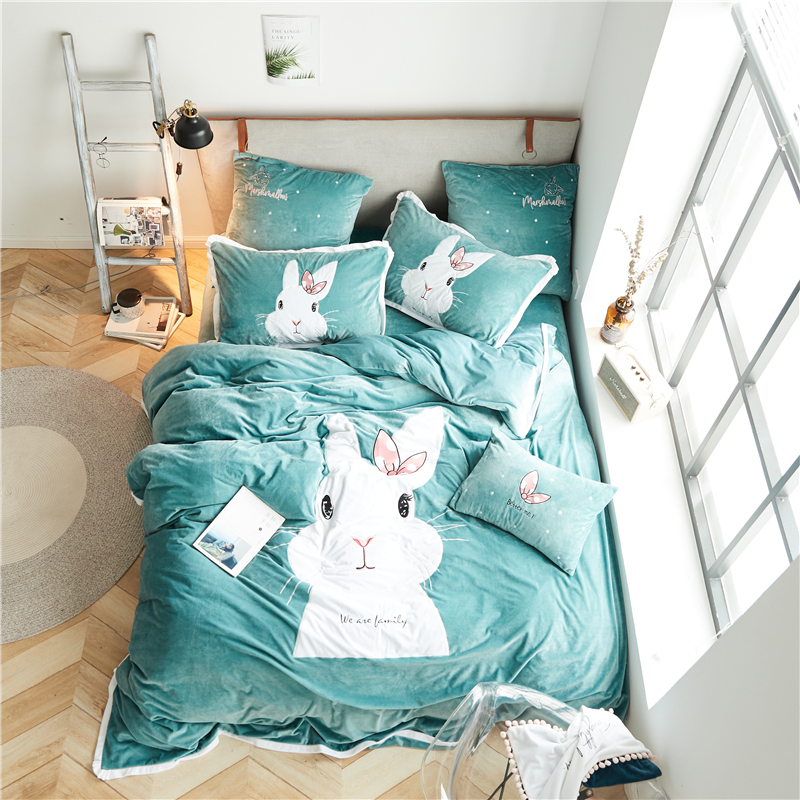 Flannel Lovely white rabbit Bedding Sets Fleece Winter Warm applique Duvet Cover set Bed Sheet Pillowcases Queen King Size 4pcsFlannel Lovely white rabbit Bedding Sets Fleece Winter Warm applique Duvet Cover set Bed Sheet Pillowcases Queen King Size 4pcs