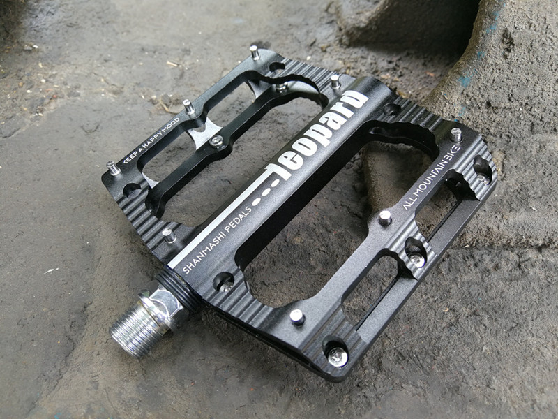 """PAIR BIKE BICYCLE PEDALS BLACK CYCLE BMX MOUNTAIN BIKE WITH REFLECTORS 9//16/"""" R7"""