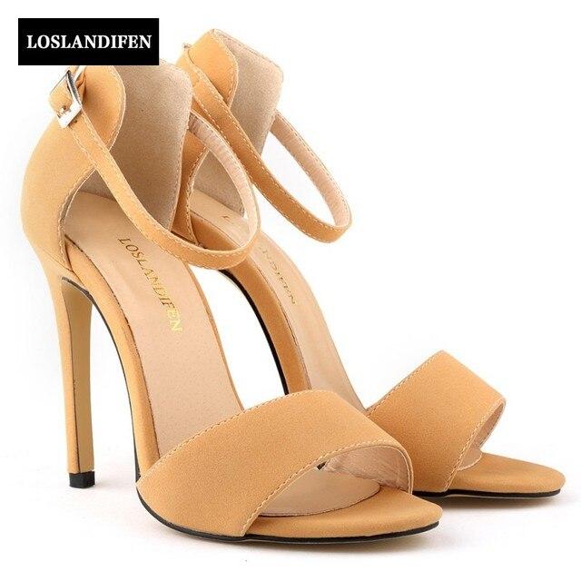 Musim panas Baru Fashion Wanita Sepatu Kaki Terbuka Gesper Tali Sepatu  Bisnis Sepatu Pernikahan Sandal Banyak 428655c81d