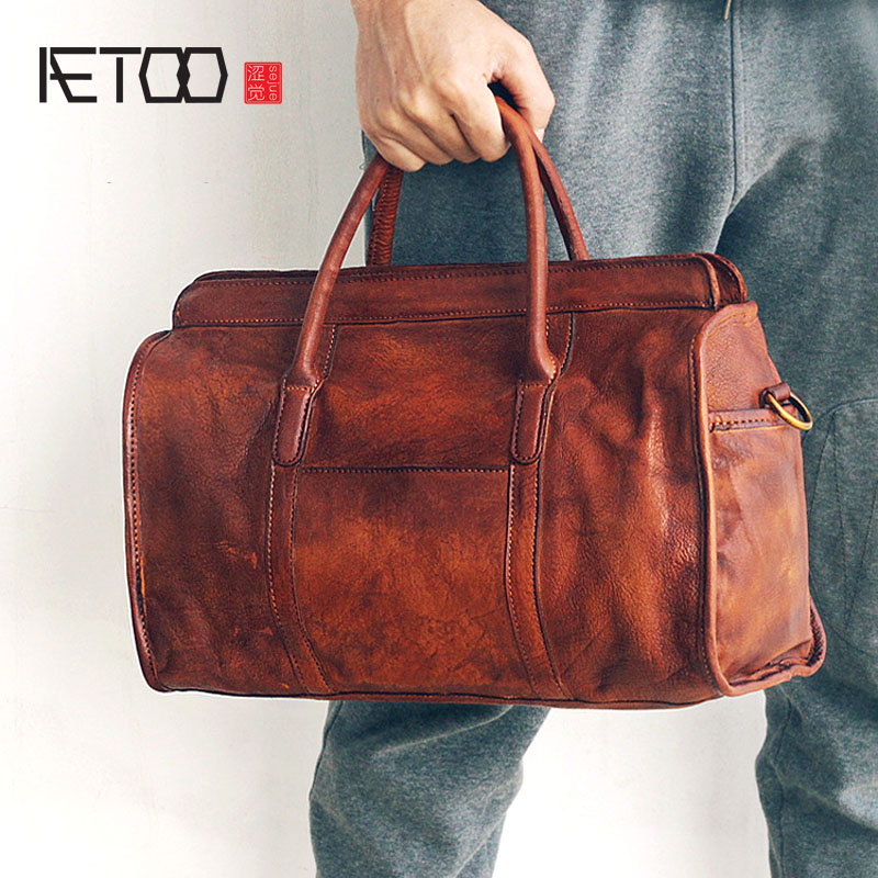 AETOO 2018 New first layer of leather handbags hand-rubbed Shoulder Messenger handbag retro nostalgic travel leather bag famous brand top leather handbag bag 2018 new big bag shoulder messenger bag the first layer of leather hand bag