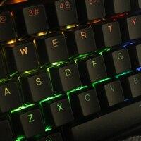 התאורה האחורית שחור לבן 104 מפתח PBT הזוגי נורה התאורה האחורית keycaps במשך keycap מכירה מקלדת Corsair לבזוק K65 K70 Logitech G710 + המכנה (5)