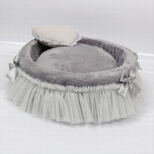Free shipping Cute dog mats Grey beds White lace bows decorate pet nests Mats can be removed Can used on both sides