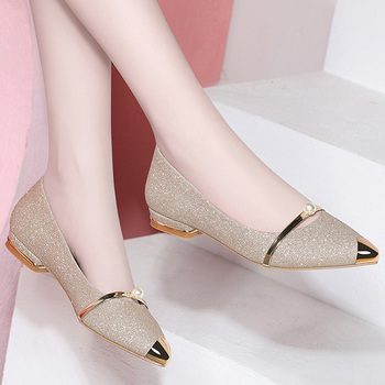 2019 Summer Ladies Flats Shoes Women Shoes Pearl Comfortable Pointed Toe Flat Shoes Gold Silver Female Casual Woman Boat Shoes
