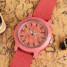 Fashion Pink Color Wooden Watch