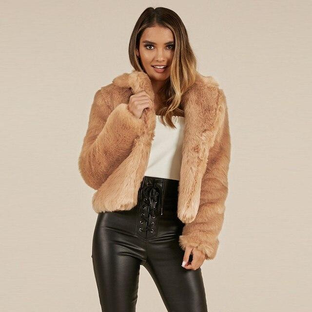 Mantel fur winter