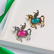 Fashion Horse Elephant Elk Deer Giraffe Brooch Pins for Women Enamel Cartoon Decoration Broach Men's Suit Jewelry Accessories