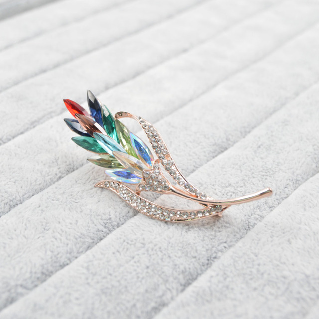 BROŠŇA Farebný kryštálový KVET Brooch Colorful Crystal FLOWER