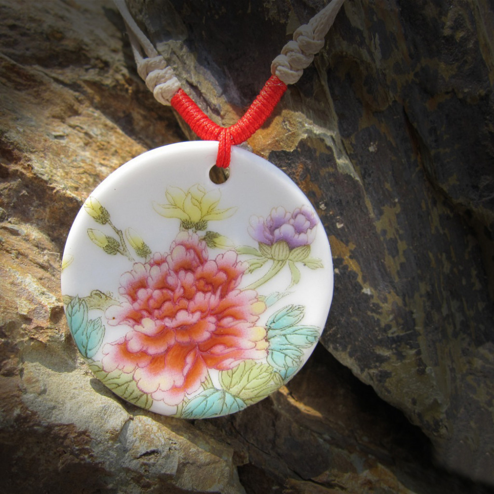 Special Chinoiserie chinaware of Jingde Town ceramic flower porcelain pendant sweater necklace for woman