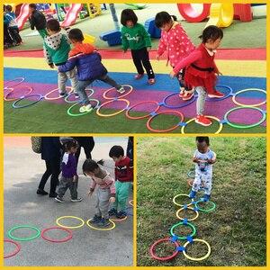 10pcs Hopscotch Hoops Anneaux Toss sensorielle Jeu extérieur Fun Sport Jouets denfants Jeux pour enfants quelque chose dintéressant