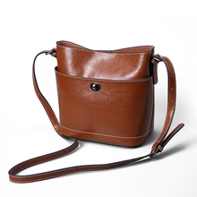 New Retro Genuine Leather Ladies Cross Body Bag for Women casual fashion Classic Totes Messenger Bags Designer Luxury Bucket bag