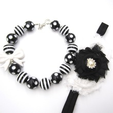 Cheer Girls Baby Gift 20mm Acrylic Black white Striated Football Beads Bowknot Chunky Bubble Gum Necklace