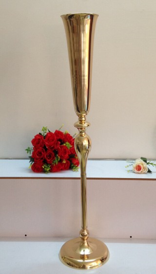 large gold stand  flower centerpiece for wedding event decoration