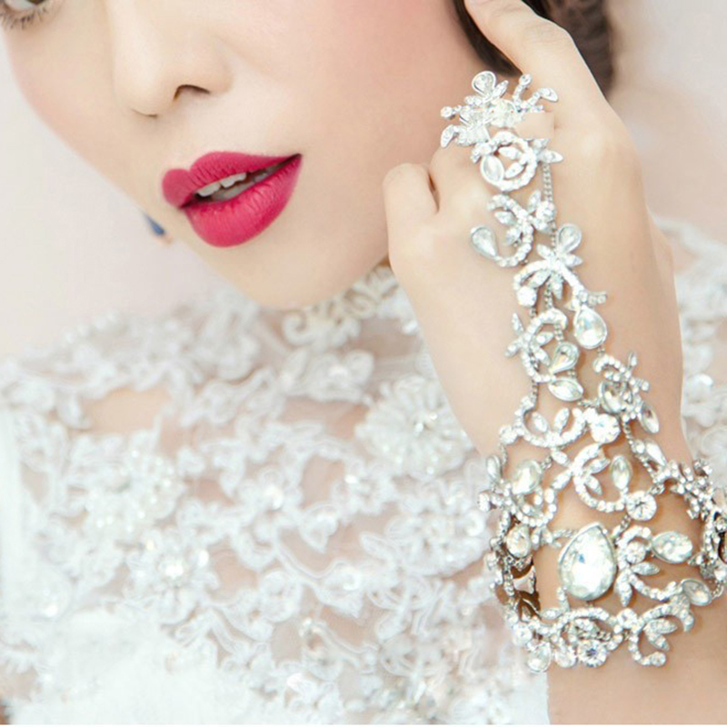 Wedding Gowns Accessories: Bridal Chain Bracelet Wedding Dress Accessories Bridal