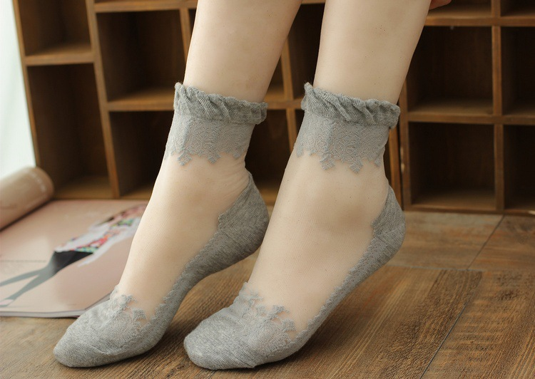 2017 new summer glass casual crystal Sweet crystal glass transparent silk lace socks women