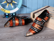 Купить с кэшбэком Zapatos Hombre 2018 New Luxury Italian Fashion Men Shoes Metal Pointed Toe Striped Loafers Shoes Dress Business Prom Shoes Male