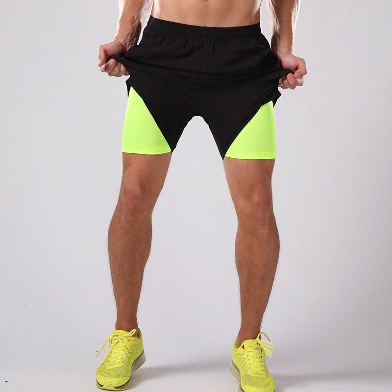ee75525337 2016 2017 qualidade esportes dos homens shorts de corrida de compressão  calças justas ginásio shorts de lycra de fitness jogging treinamento de  futebol ...