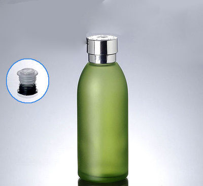 1219a828f5a3 US $62.38 |50pcs 4 oz green glass bottle with silver lid ,120 ml glass  lotion bottle , wholesale 4 ounce Cosmetic Packaging glass bottle-in  Refillable ...