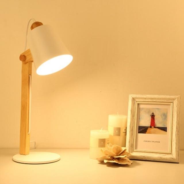 LukLoy Nordic LED Bureaulampen Slaapkamer Creatieve LED Tafellampen Houten Metalen Mode Tafel Lichten Decoratie Studie Kantoor Verlichting