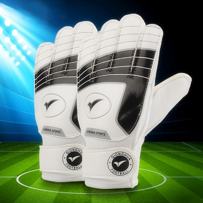 2017 New Child Soccer Goalkeeper Gloves For Kids Football Keeper