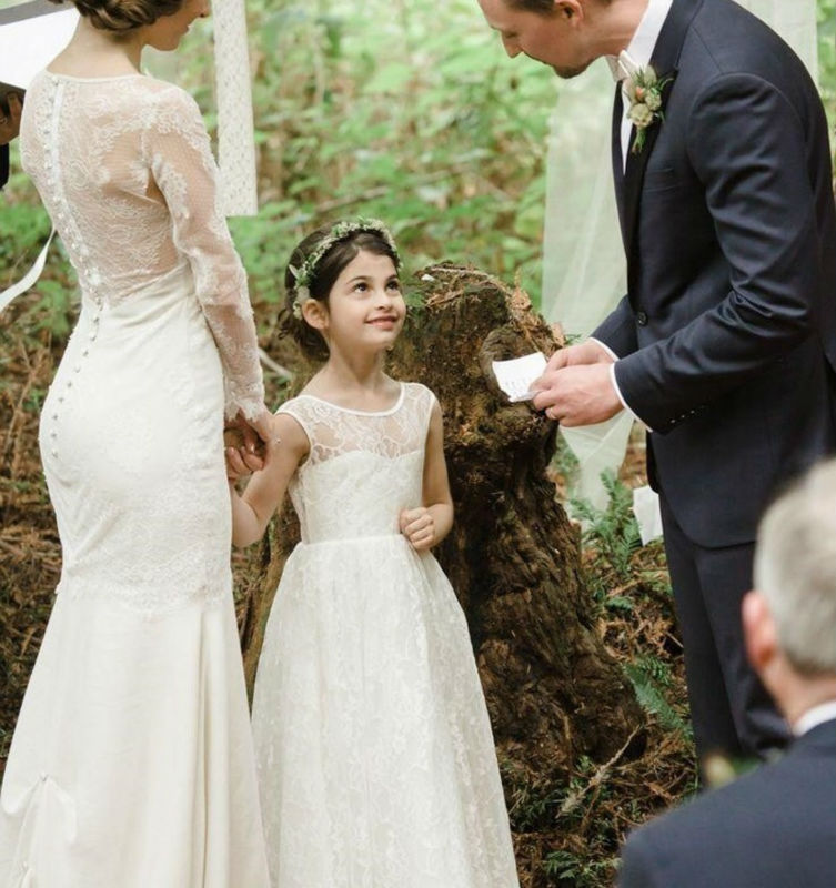 2017 New A-Line Flower Girls Dresses For Wedding Gowns Staight Party Dress Lace Holy Communion Dresses For Mother Daughter Dress white flower girls dresses for wedding gowns lace vestidos de primera comunion a line communion dress mother daughter dresses