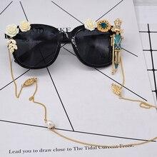 Pop Age 2017 New Pearl Flower Diamond Necklace Sunglasses Women High quality Ladies king Doll Sun Glasses Gafas de sol 400UV