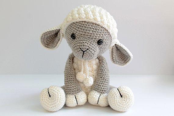 Haak schapen baby douche kamer versieren rammelaar speelgoed en pop