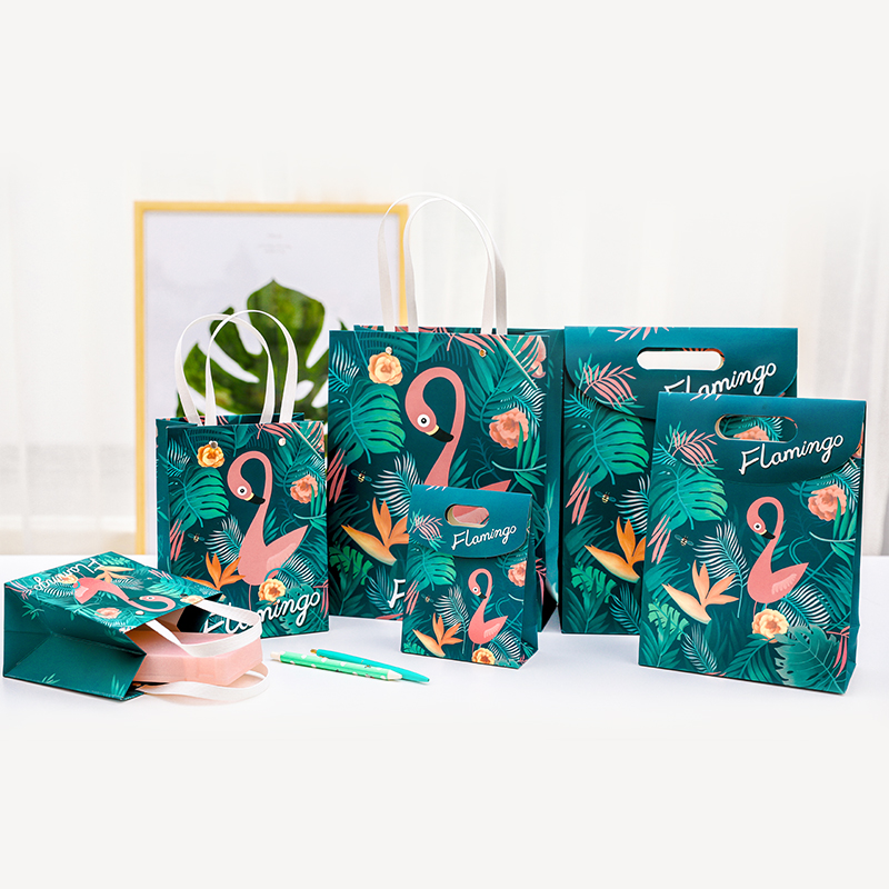 1pc Fashion creativity Flamingo Paper gift bag Gift packaging bag Reticule Holiday supplies